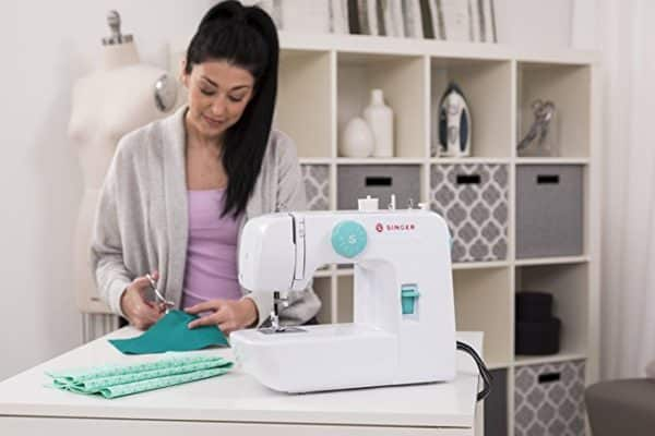 Singer Start 1234 Portable Sewing Machine with 6 Built-In Stitches – Built-in 4-step Buttonhole, White/Teal and Free Online Owner's Class Video